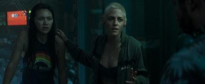 Jessica Henwick and Kristen Stewart star in 'Underwater'