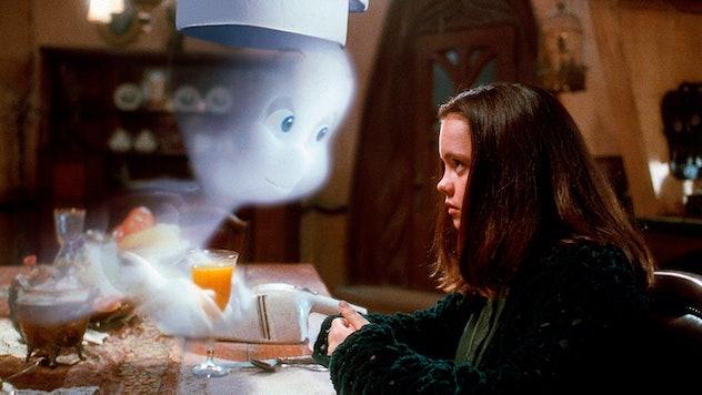 """Still from the movie """"Casper""""; Casper serving Kat breakfast"""
