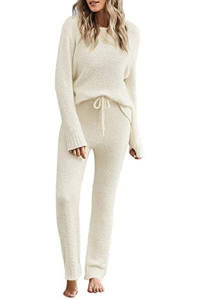 ACKKIA Fuzzy Pajama Set