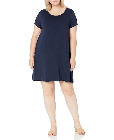 Amazon Essentials Women's Plus Size Short-Sleeve Scoopneck Swing Dress