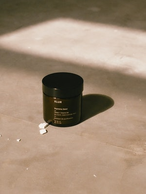 Klur Supreme Seed facial mask in jar.