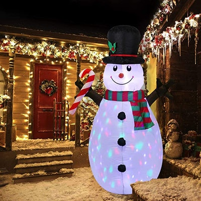 Lovezone 5ft Outdoor Inflatable Christmas Decorations - Built-in LED Lights