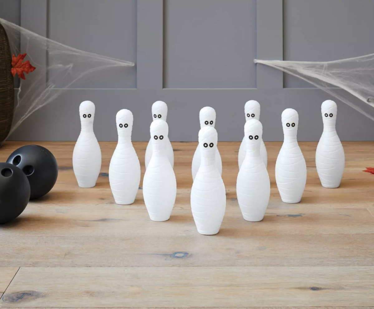 Mummy Bowling Game Halloween Party Kit - Hyde & EEK! Boutique™