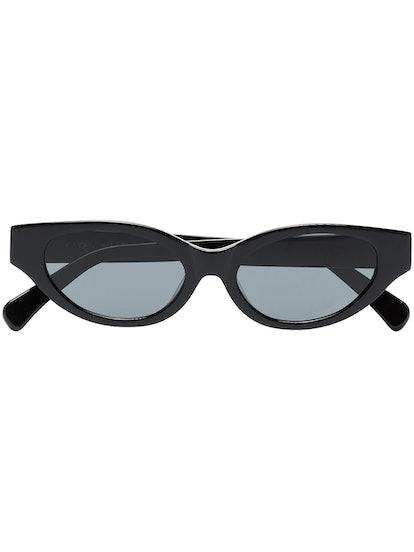 Glamorous cat-eye sunglasses