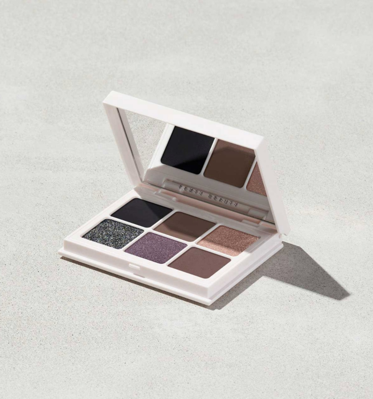 Snap Shadows Mix & Match Eyeshadow Palette in Smoky