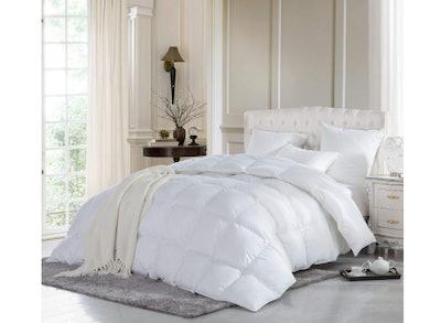 Egyptian Bedding 1200-Thread-Count Goose Down Comforter