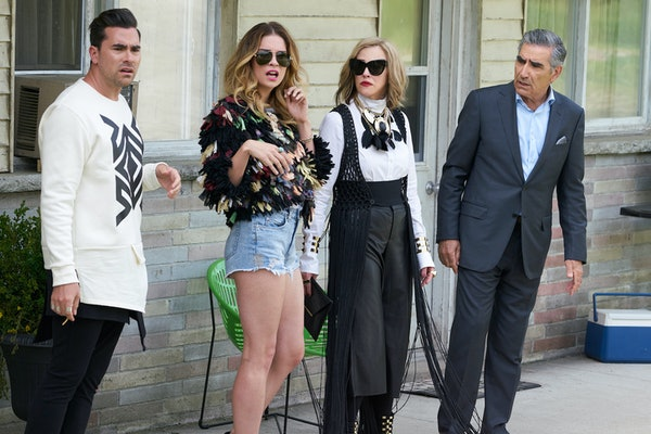 These DIY 'Schitt's Creek' Halloween costumes will make you an honorary Rose.