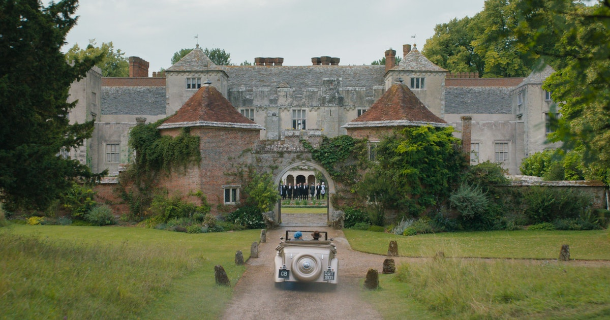 Here's Why The Gorgeous House In 'Rebecca' Seems So Familiar