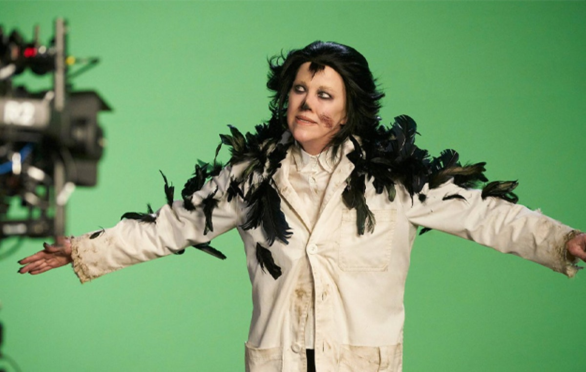 Moira's character Dr. Clara Mandrake on 'Schitt's Creek' makes a perfect Halloween costume.