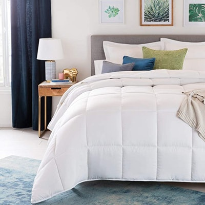 Linenspa All-Season White Down Alternative Quilted Comforter (Queen)