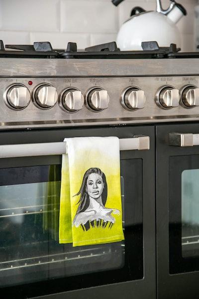 Girl Power Kitchen Towel: Beyoncé