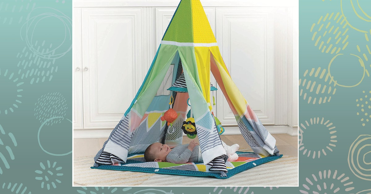 These Baby Play Mats Will Entertain Your Little One (& Give You A Rest)