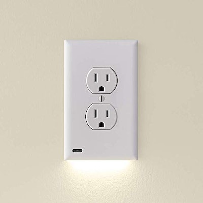 SnapPower Outlet Plate with LED Light