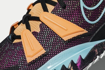 Kyrie 7 basketball sneaker