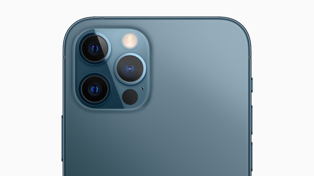 These tweets about iPhone 12 Pro release day are so excited for one of the colors.