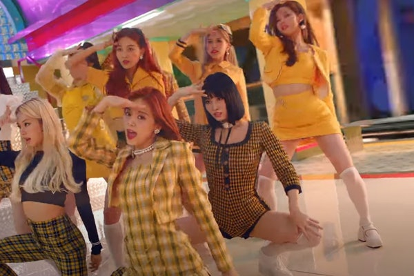 """TWICE's """"I Can't Stop Me"""" music video"""