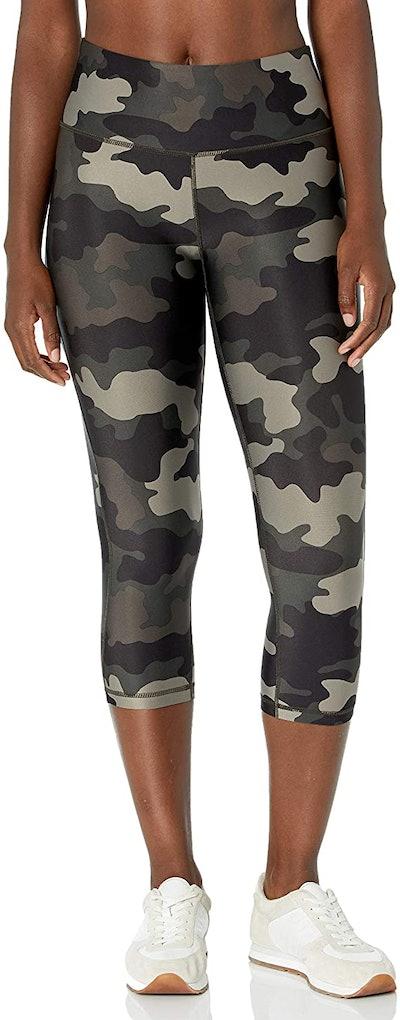 Amazon Essentials Women's Mid-Rise Capri Legging