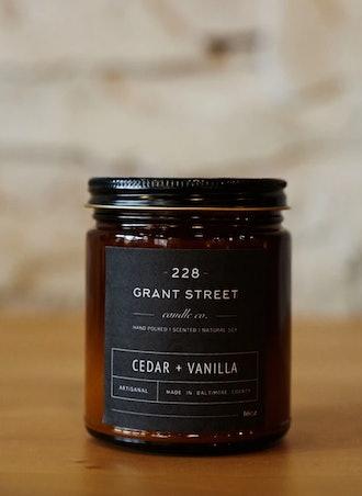 Cedar + Vanilla   Amber Jar