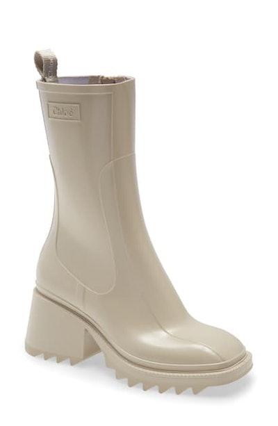 Chloe Beige Betty Rain Boots In 28u Beige