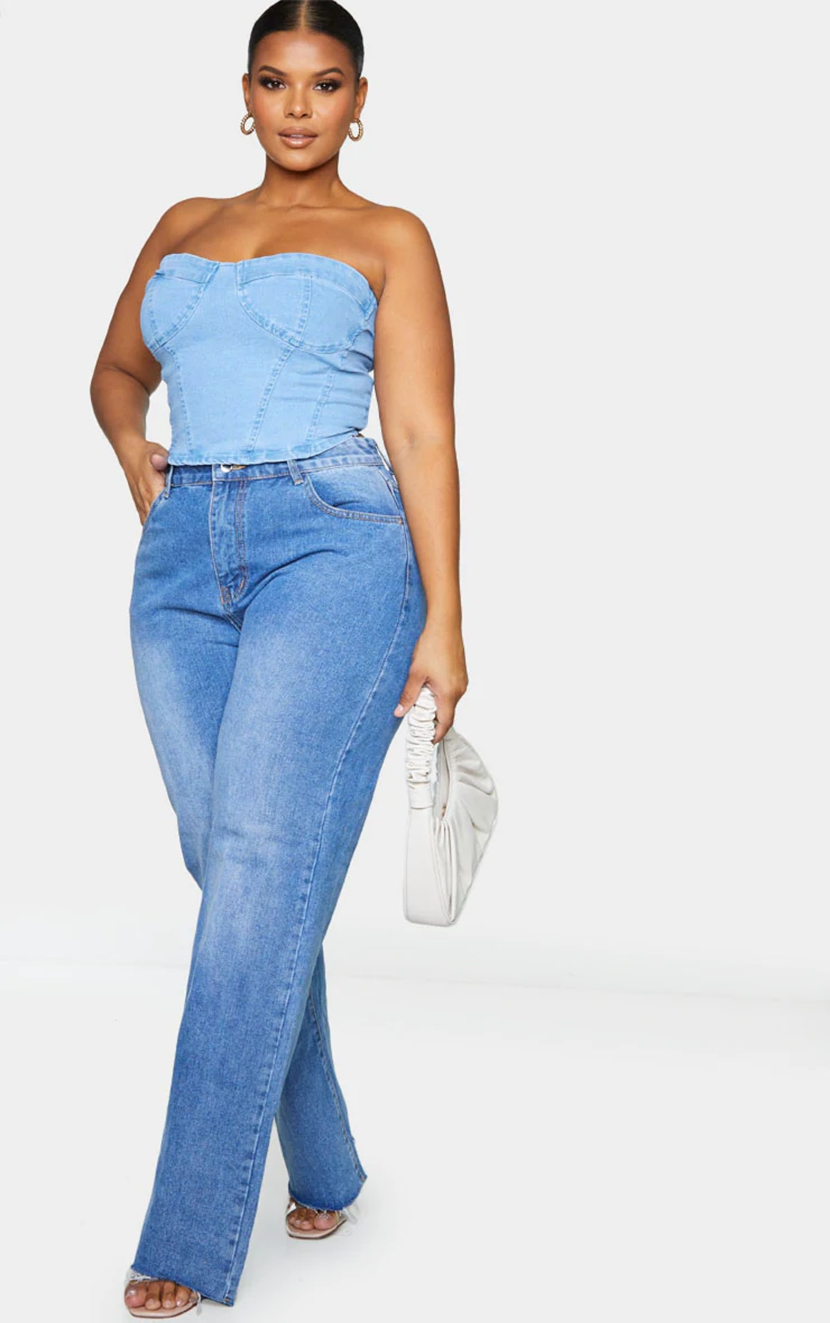 PrettyLittleThing Plus Mid Blue Wash Long Leg Straight Jean