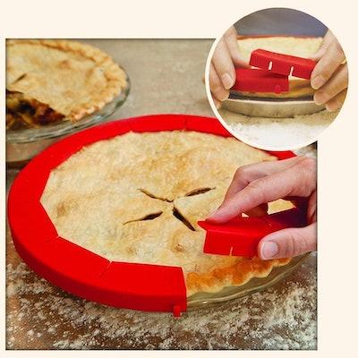Adjustable Pie Crust Shield