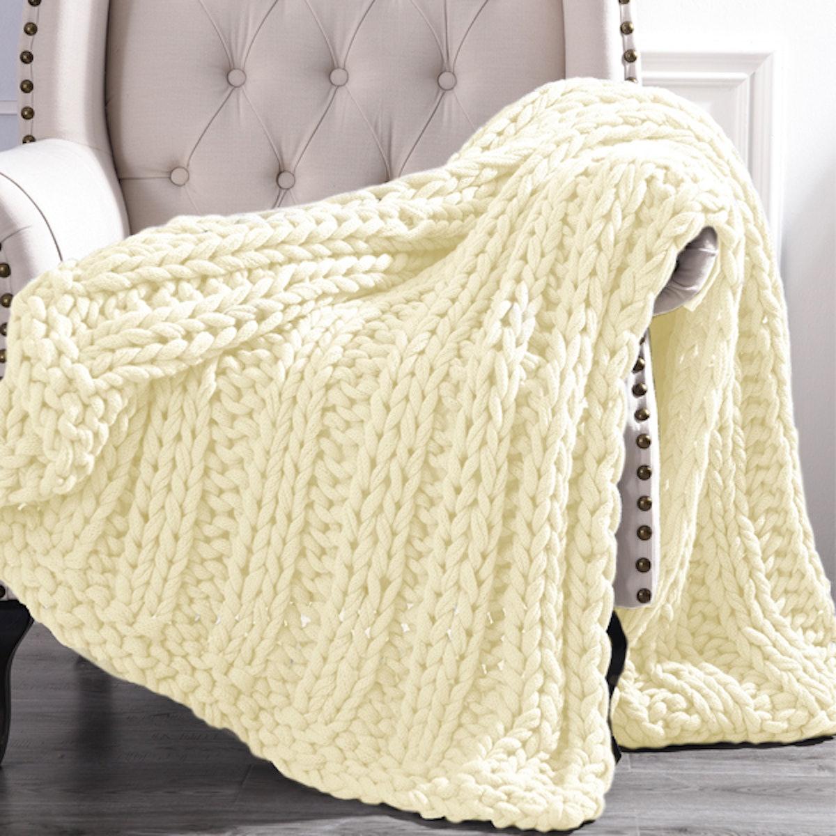 Chunky Knit Acrylic Throw Blanket