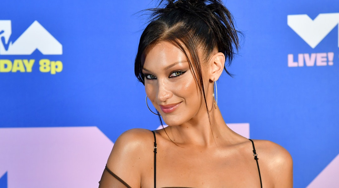 Bella Hadid's manicure: pictures and how to recreate the nail art.