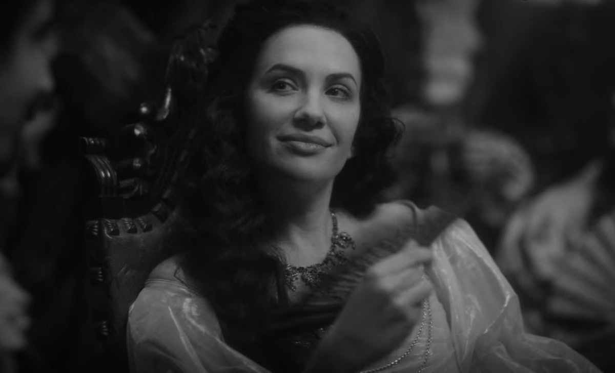 Viola becomes The Lady In The Lake in 'The Haunting of Bly Manor.'