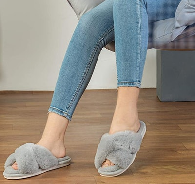 Parlovable Cross Band Slippers