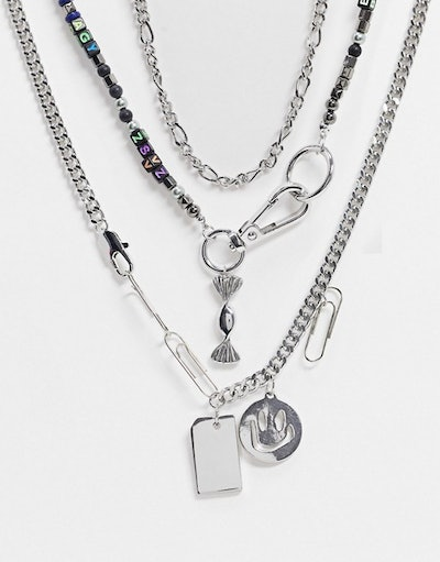 Short neckchain pack with kitsch charms in silver tone