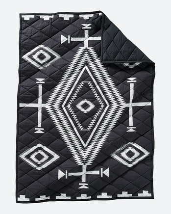 Pendelton Los Ojos Quilted Roll-Up Throw Blanket