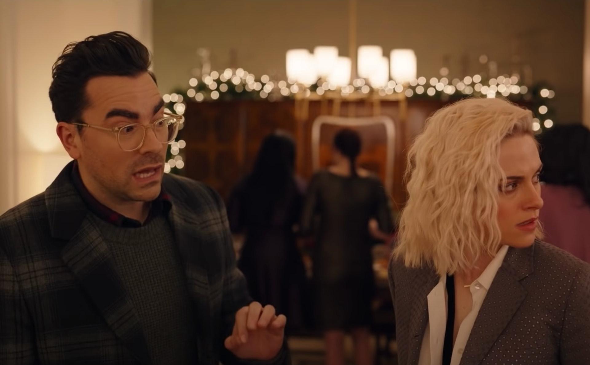 The 'Happiest Season' Trailer Shows Kristen Stewart & Dan Levy Making The  Yuletide Gayer