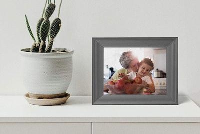 Aura Mason 9-Inch Smart Digital Picture Frame