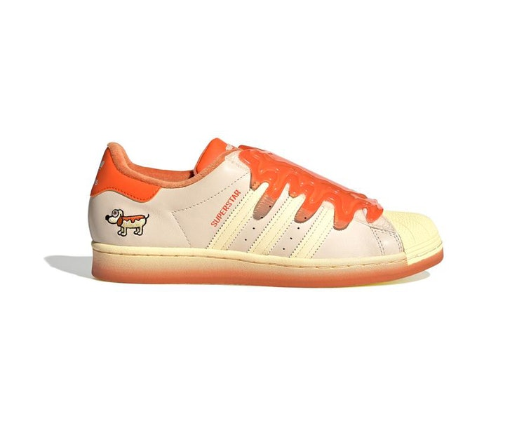 patrulla Golpe fuerte Condensar  These super freaky, childlike Adidas sneakers are very much for adults