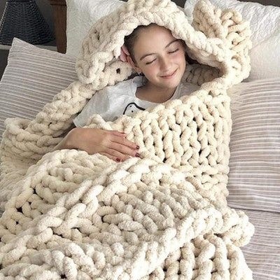 clootess Chunky Knit Blanket Chenille Throw