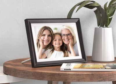 Dragon Touch 10-inch Digital Picture Frame