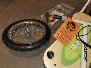 Razor EcoSmart SUP e-scooter review: assembly