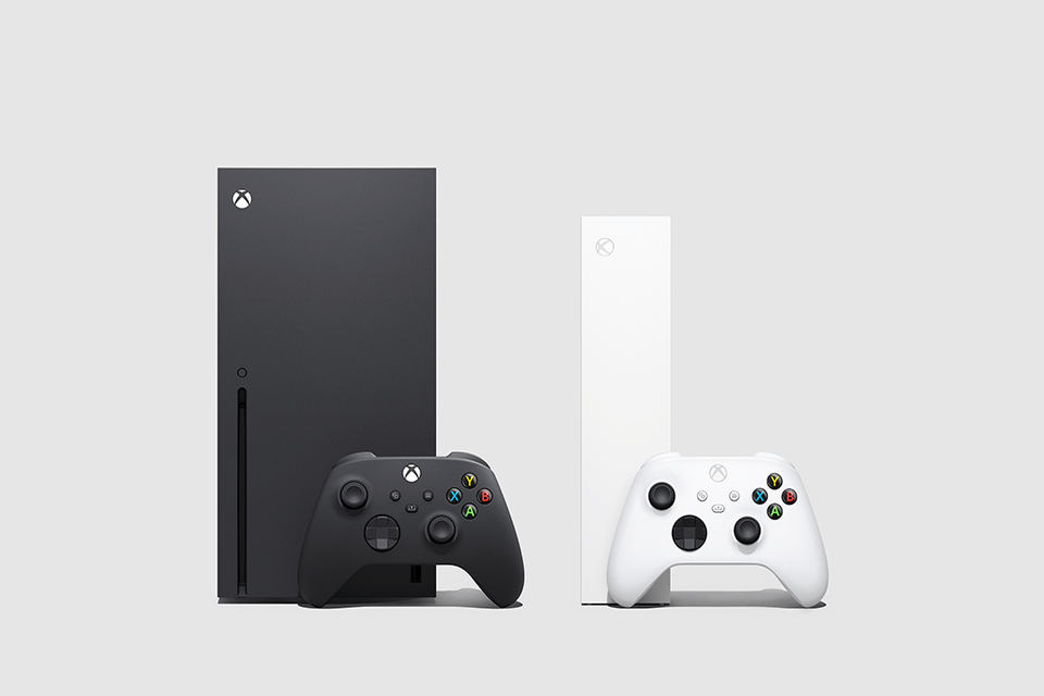 Microsoft side-by-side of Xbox Series X vs Xbox Series S.