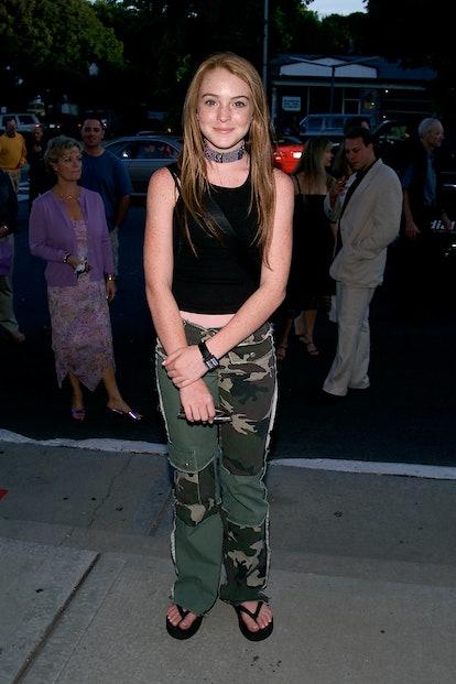 Lindsay Lohan 2000s Trends Flip Flops