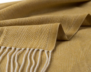 BOURINA Decorative Throw Blanket