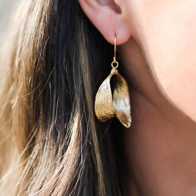 Gold Mistle Kiss Hoop Earrings