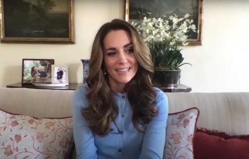 Kate Middleton's Gold Mistletoe Earrings