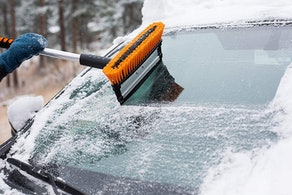 """Snow MOOver 39"""" Extendable Snow Brush"""