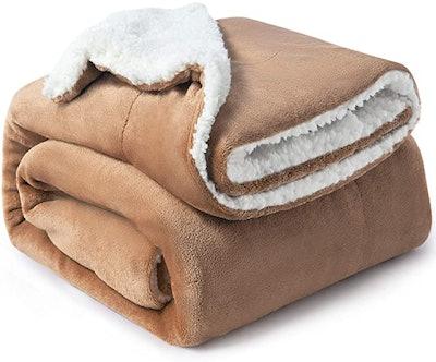 Bedsure Plush Microfiber Blanket