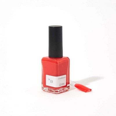 Sundays Nail Polish in No.13 Chili Pepper Red