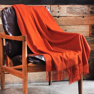 CUDDLE DREAMS Premium Cashmere Throw Blanket