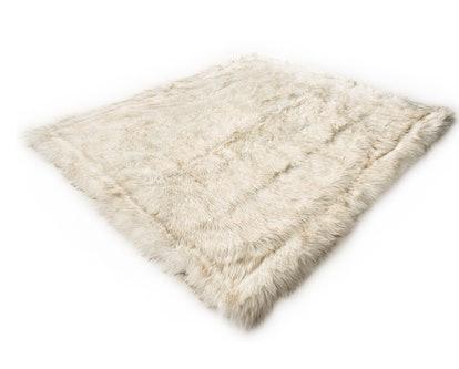 CatNap™ Anti-Scratch & Waterproof Throw Blanket - White
