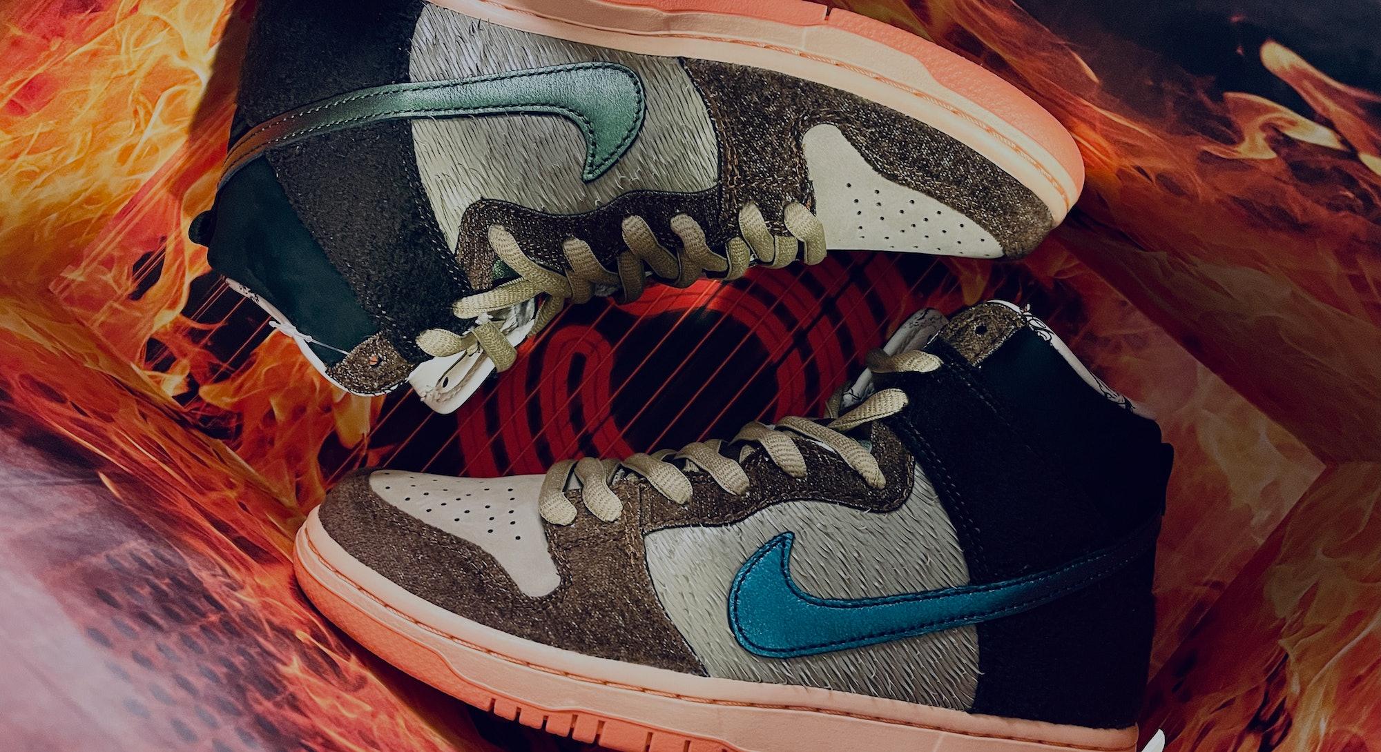 """SB Dunk High """"Mallard"""" sneakers in box"""