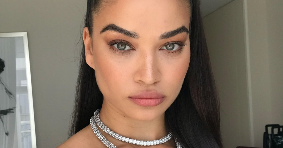 9 Holiday Makeup Looks To Try For All Those Zoom Parties