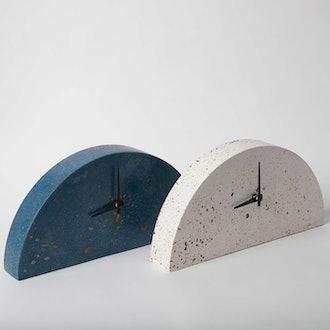 Pretti.Cool Mantel Clock